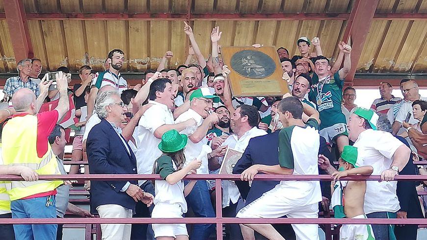 L'AS Urruñarrak sacrée championne de France Honneur au stade Marius-Rodrigo de Mauléon