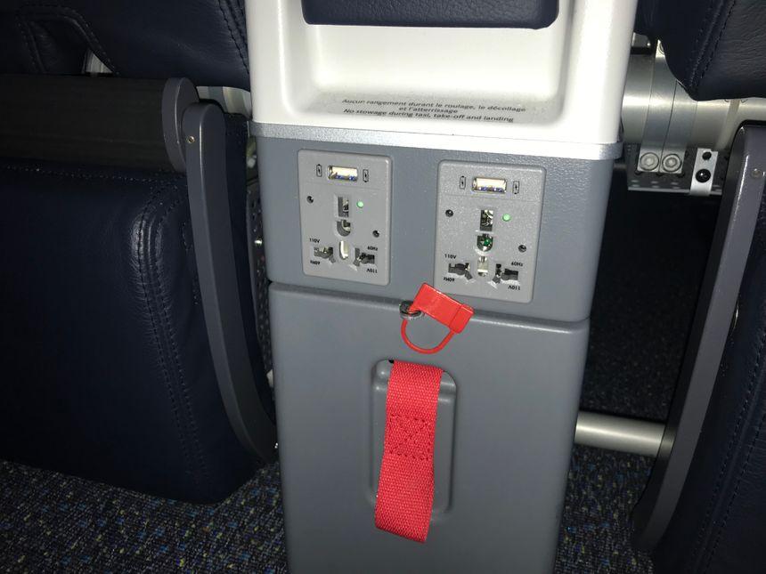 Chaque passager peut charger ses appareils électroniques
