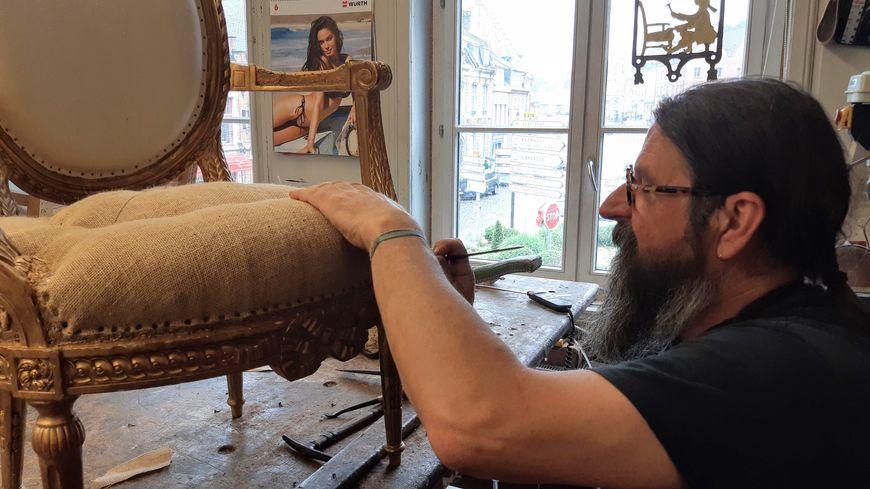 Jacques Fayolle, le père de famille, est tapissier depuis 1973
