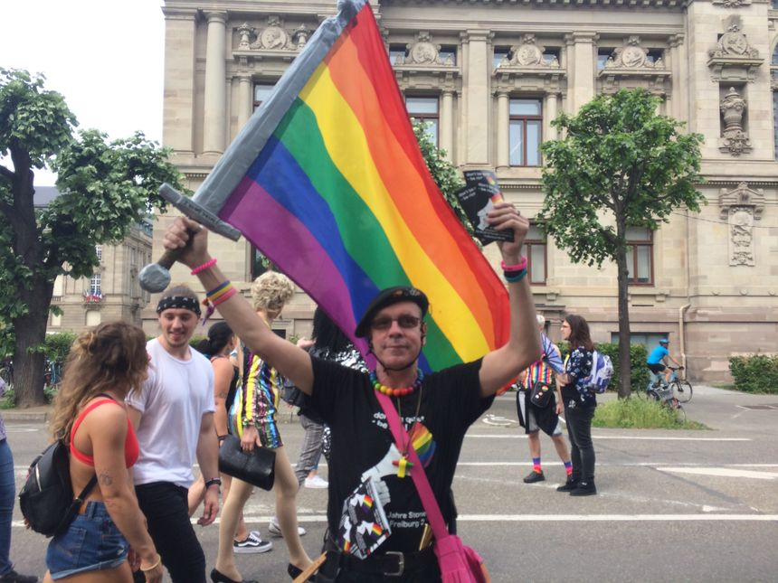 lieu rencontre gay strasbourg à Tours