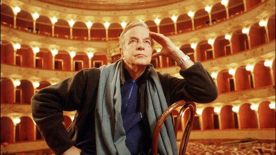 Janvier 2000. Franco Zeffirelli sur la scène de l'Opéra de Rome