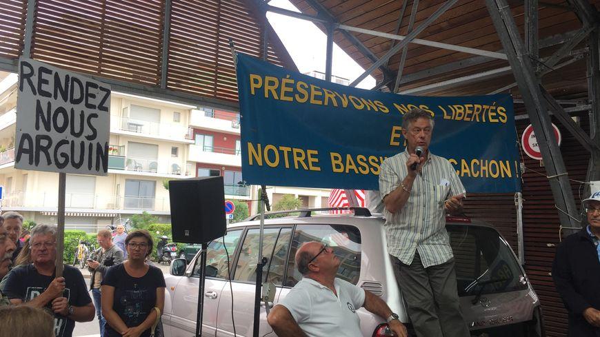 Manifestation contre les interdictions sur le banc d'Arguin.