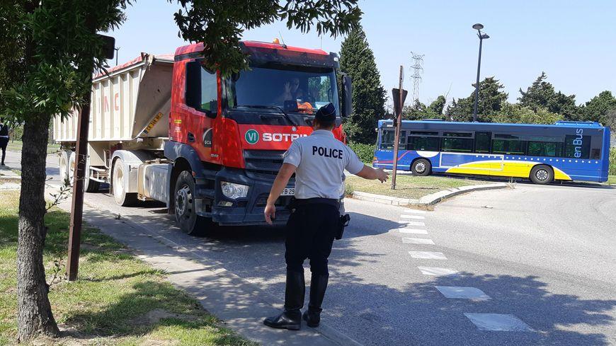 Bus gratuits et poids-lourds déviés, Avignon fait face au pic depollution.