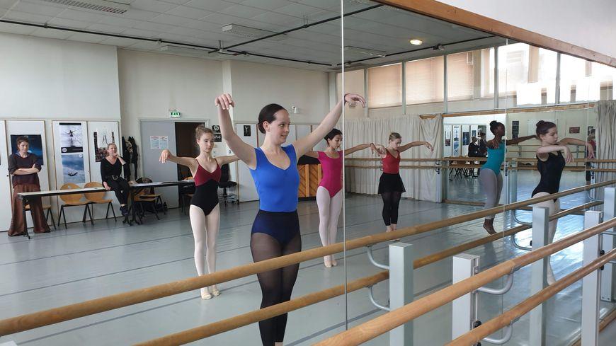 Les danseuses du cours d'Anne Vidal