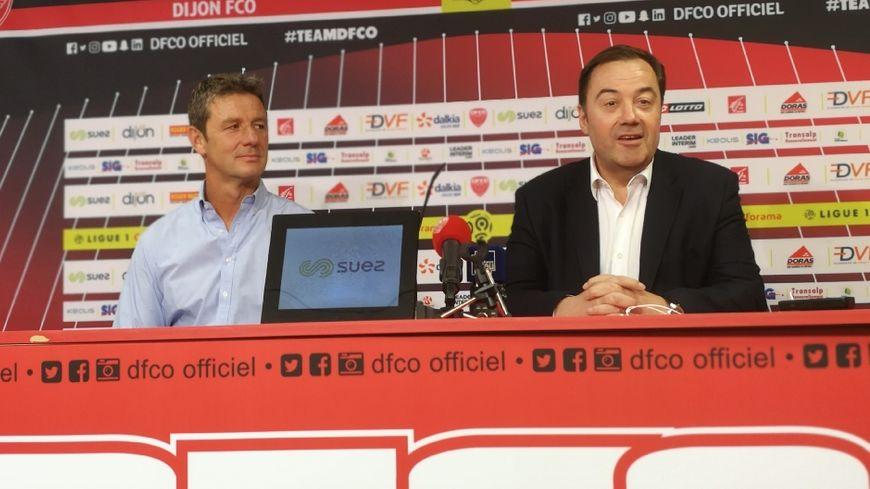 Le nouvel entraîneur Stéphane Jobard (à gauche) et le président du DFCO Olivier Delcourt