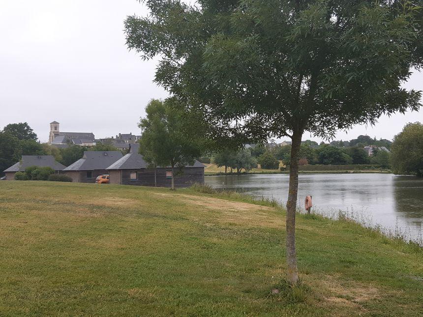 Le Village Vacances et Pêche de Villiers-Charlemagne.