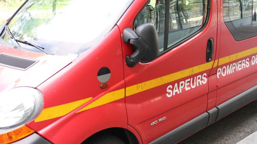Véhicule de pompiers (illustration)