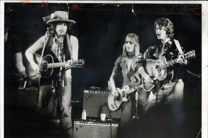 Bob Dylan et la « Rolling Thunder Revue » en 1975 : renaissance et frénésie