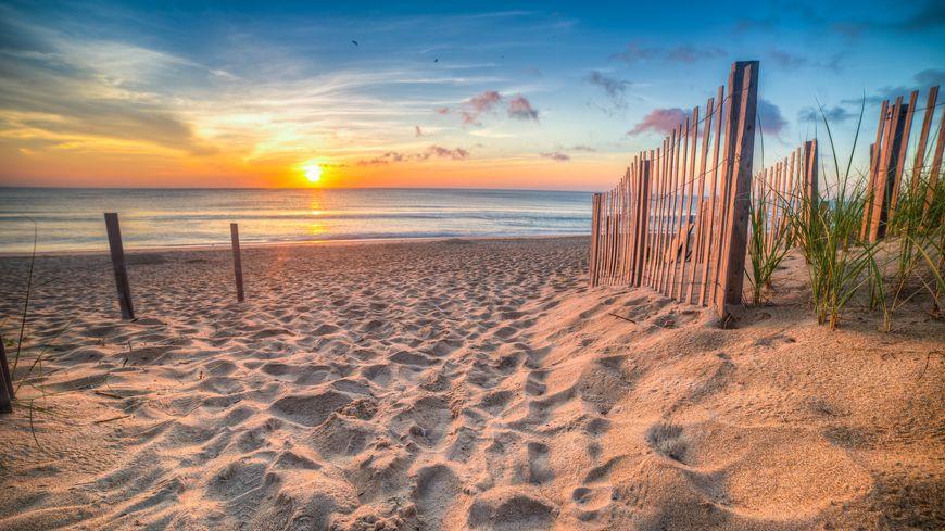 Le soleil se lève vers 6h15 en ce début d'été