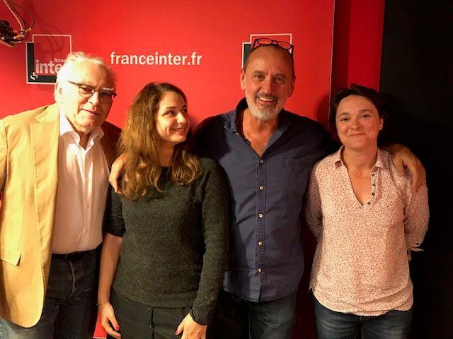 """''Vous Les Femmes"""", de g. à d. : Albert Algoud, Mélody Mourey, Daniel Morin, Docteur Sonia Camay."""