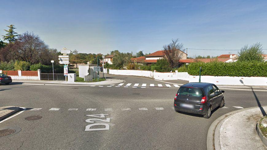 L'accident a eu lieu au croisement de la route de Cugnaux et la route de Tournefeuille, à Plaisance-du-Touch.