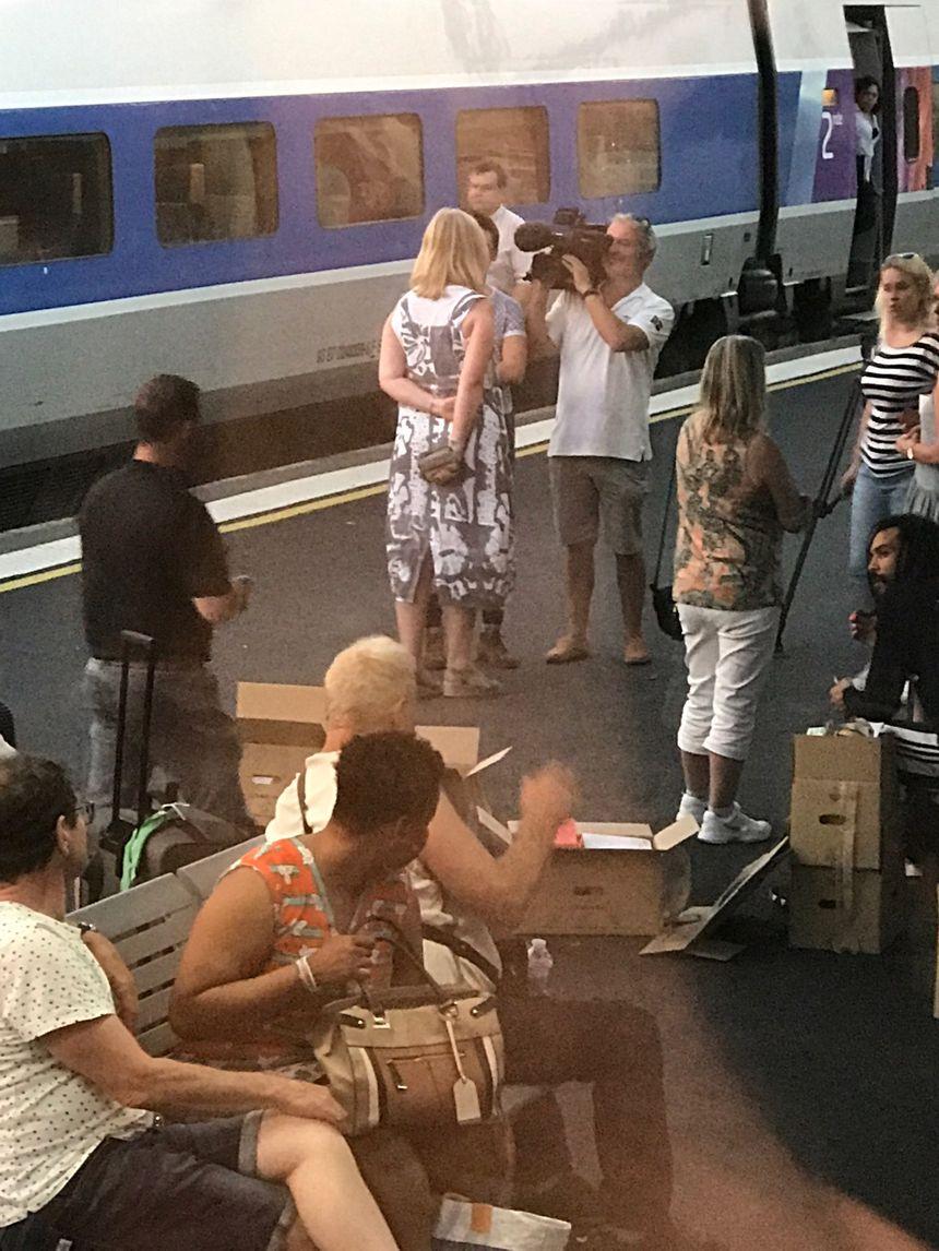 la galère des passagers échoués en gare de Vendôme