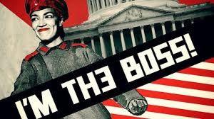 Des références graphiques soviétiques pour cette caricature d'Alexandria Ocasio Cortez singeant Staline, postée par exemple sur son blog par Sebastian Gorka