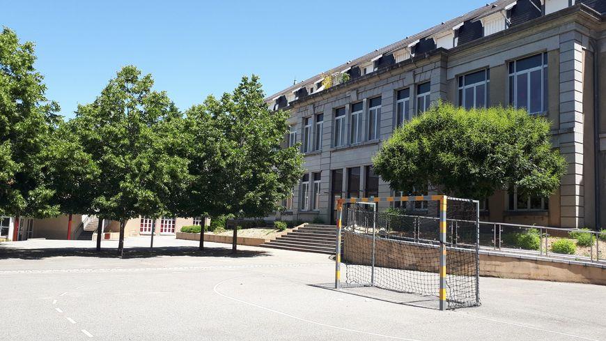 Ecoles ouvertes et accueil assuré, mais peut-être pas grand monde dans la cour de récré