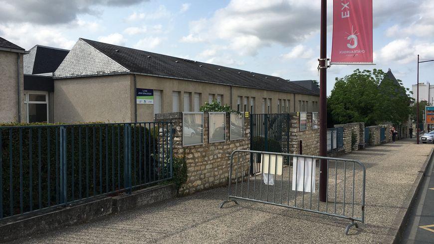 Au total, 270 élèves du lycée Jean Giraudoux de Châteauroux passent le bac cette année.