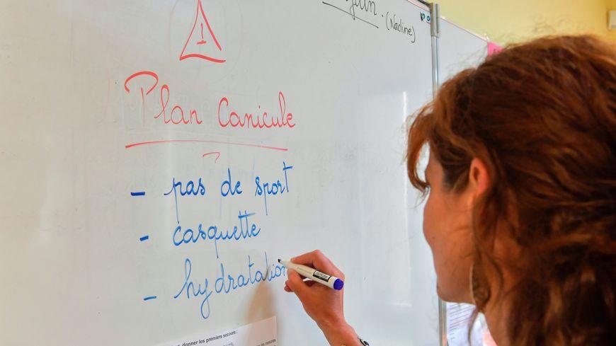 Canicule à l'école (illustration).
