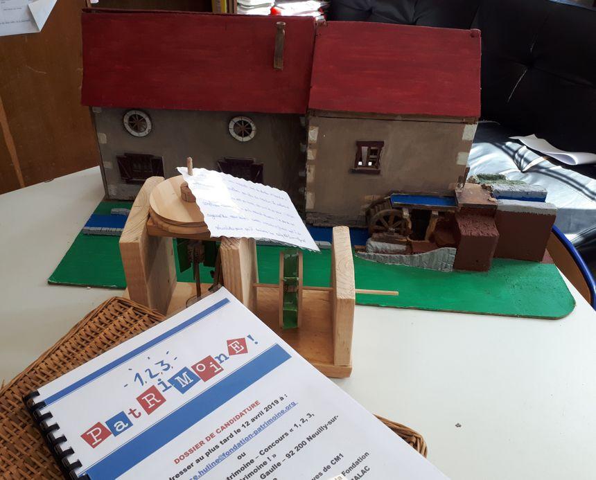 Les enfants ont aussi réalisé une maquette du moulin.