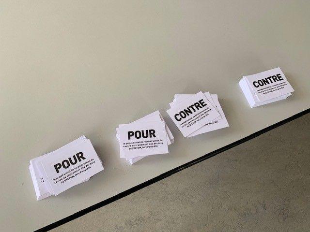 Les bulletins de vote pour la consultation citoyenne à Ivry