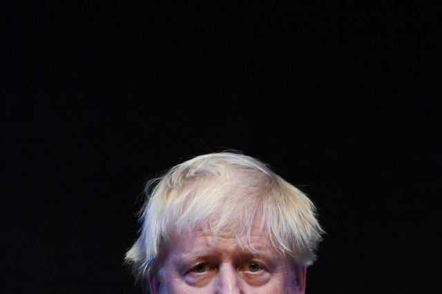 Depuis qu'il fait de la politique, Boris Johnson tente de discipliner ses cheveux