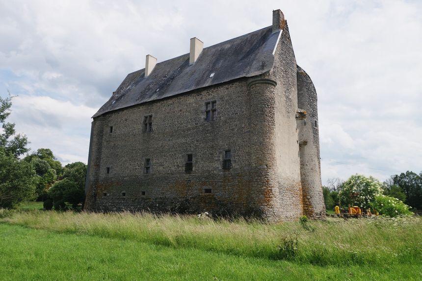 Cette façade a très peu bougé depuis 1180