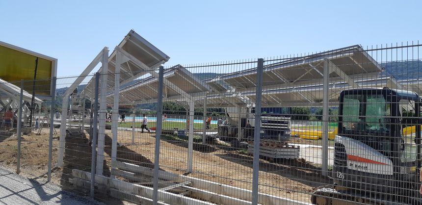 Le chantier de la nouvelle piscine de Chalezeule, le 28 juin 2019 à midi, à moins de 24h de la réouverture officielle prévue