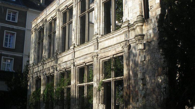 Façade de Beaune-Semblançay, rue Jules Favre à Tours.