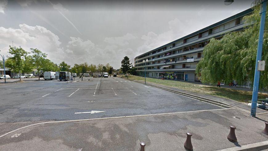 L'incident a eu lieu aux environs de 17h ce dimanche sur la place du marché de Metz-Borny.