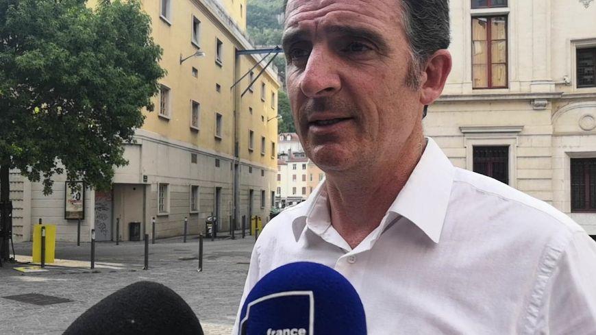 Le maire de Grenoble Éric Piolle a réaffirmé à notre micro sa position concernant la polémique autour du burkini dans les piscines grenobloises