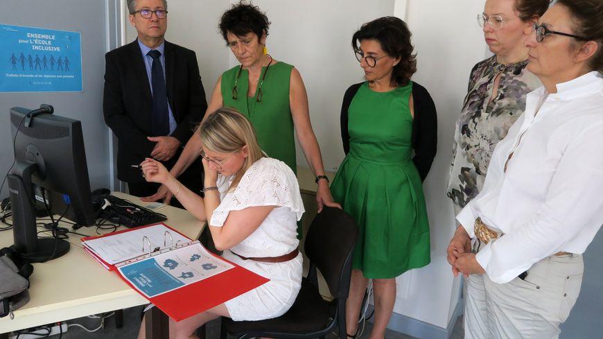La rectrice Hélène Insel a présenté la cellule d'écoute destiné aux parents d'enfants handicapés