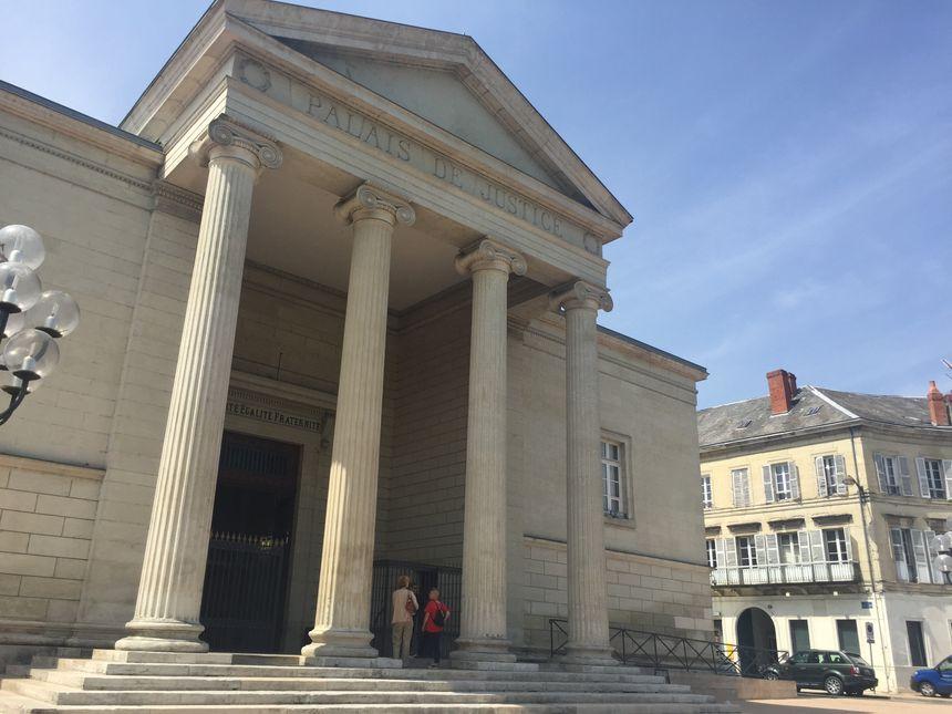 La cour d'assises de la Dordogne a échelonné les peines pour les trois assassins de Benjamin Le Borgne