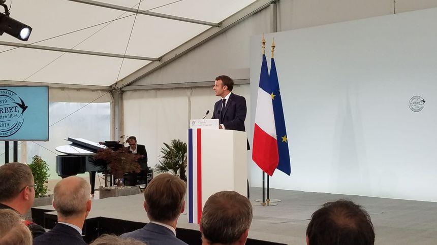 Emmanuel Macron inaugure l'exposition consacrée au bicentenaire de Courbet à Ornans (Doubs)