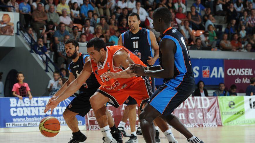 Le pivot brésilien Joao Paulo Batista sous les couleurs du Mans Sarthe Basket en 2012