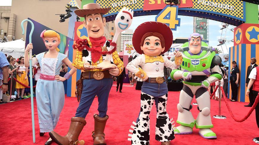 """Vingt-quatre ans après le premier """"Toy Story"""" et trois films, le quatrième épisode de la série sort en France."""