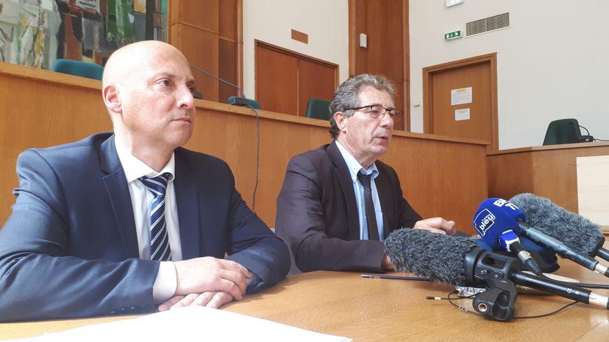Le procureur de Brest Jean-Philippe Récappé (à droite) et le commissaire divisionnaire de la PJ de Rennes Pascal Gontier