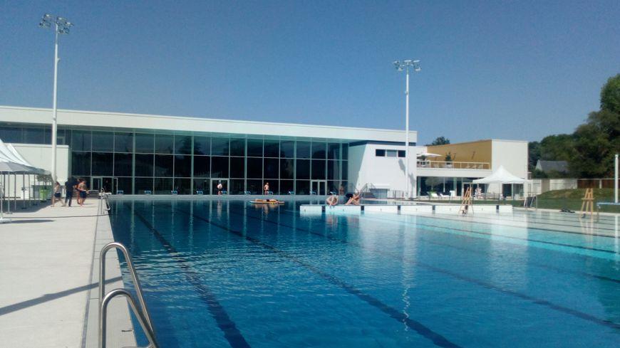 L'Aquapôle dispose d'un bassin olympique en extérieur