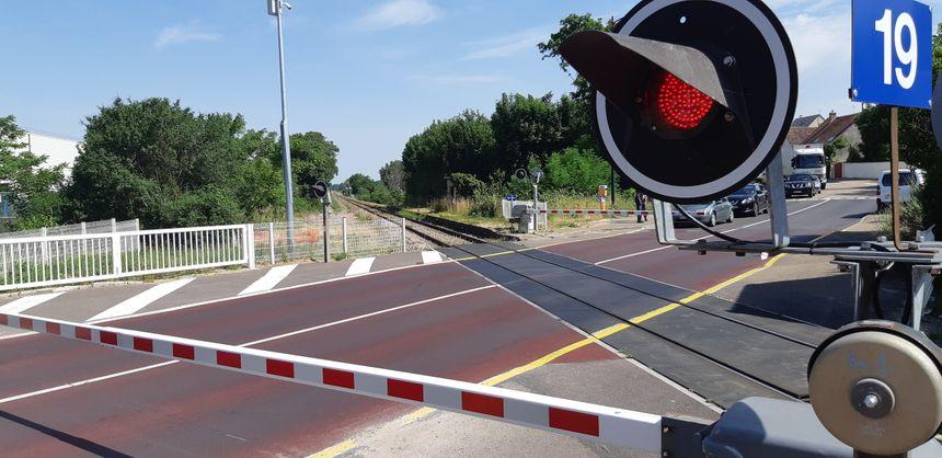 Les radars de franchissement flashent en moyenne 60 véhicules par mois à Jonches (Auxerre)
