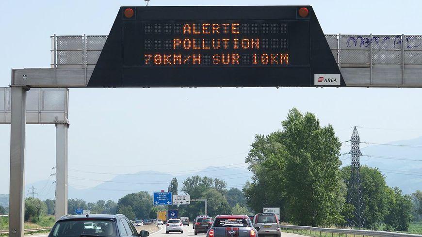 Pollution de l'air : la réduction de vitesse fait partie des mesures d'urgence.