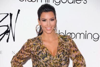 Kim Kardashian assiste au lancement de la collection de bijoux Belle Noel au 59th Street Store de Bloomingdale le 21 septembre 2011 à New York City