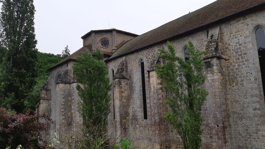 L'incroyable histoire de l'abbaye de Beaulieu en Rouergue qui en ce moment rend hommage à ses anciens propriétaires.