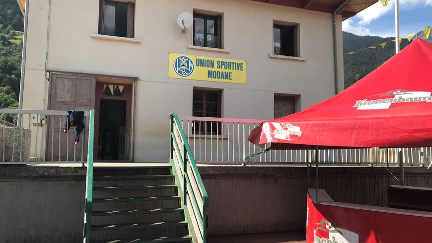 Du 21 au 23 juin, tout Modane se met aux couleurs de son club de foot : le jaune et le noir.