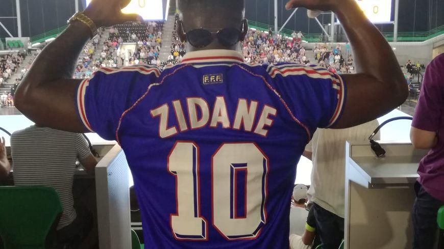 Lovens, fan de Zinedine Zidane dans les travées de la H Arena