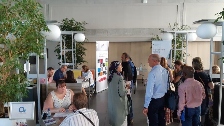 Plus de 300 personnes s'étaient inscrites au job dating organisé par le Club Face Sud Provence à l'EMD, l'école de Management et de Commerce de Marseille