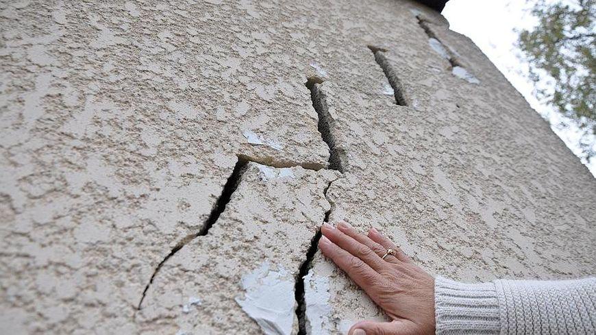 L'une des conséquences de la sécheresse : des fissures dans les maisons