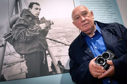 "Raymond Depardon, photographe et documentariste, au Musée national de la Marine de Toulon : ""Raymond Depardon, photographe militaire, 1962-1963""."