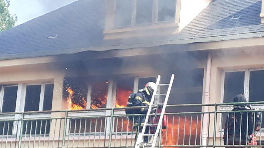 L'ancien foyer Père Robert en proie à un incendie d'exercice