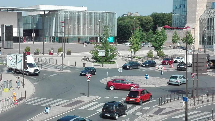 En raison de la canicule, un arrêté municipal institue une limitation de vitesse à 30Km/h dans l'agglomération du Mans. L'arrêté porte sur la période de vendredi 28 juin à dimanche 30 juin.