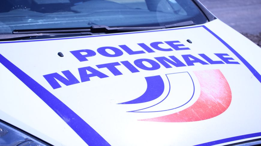 Une interpellation en gare de Brest par la police nationale.