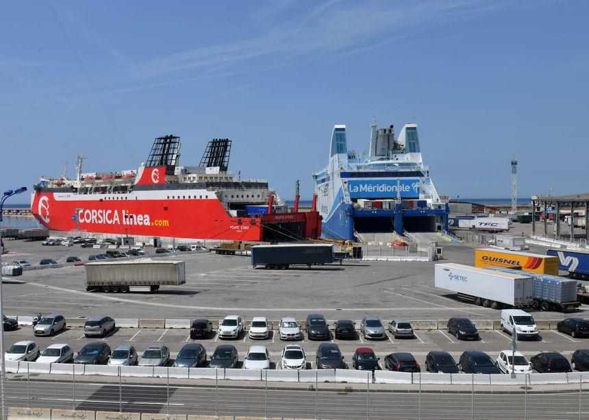 Ferries à Marseille le 25 juin 2019