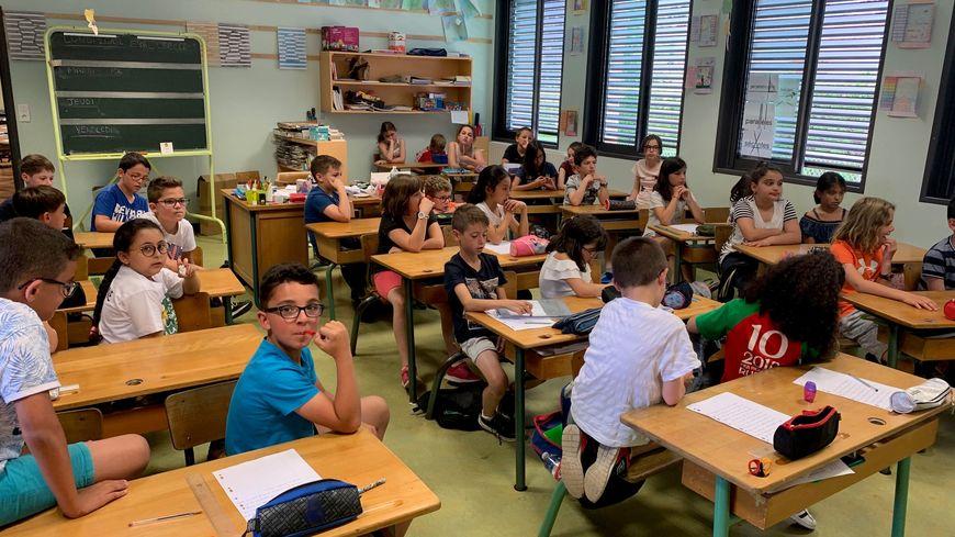 Les lauréats de la classe de CM1/CM2 de Celles-sur-Durolle