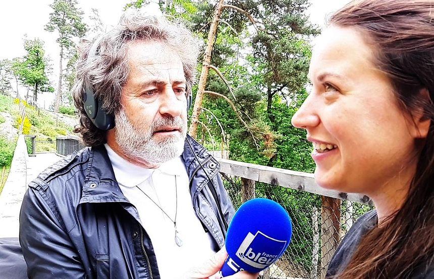 Jean François Pujante et Clémence, soigneuse au Parc animalier